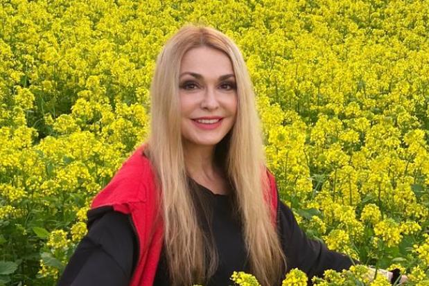Актриса Ольга Сумская - Ольга Сумская впервые опубликовала пикантные фото 20-летней давности