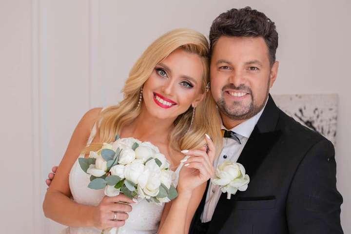 Певица Ирина Федишин с мужем - Ирина Федишин трогательно поздравила мужа с годовщиной свадьбы (фото)