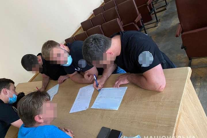 На 12 правопорушників громадського порядку під час масових заходів складено адміністративні протоколи - Сутички під Офісом Зеленського: на 12 осіб склали адмінпротоколи