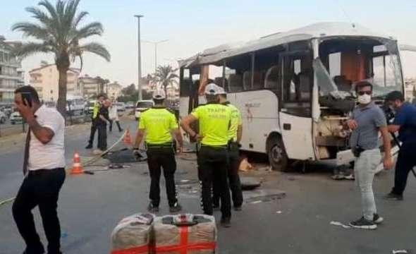 У Туреччині перекинувся автобус з російськими туристами, є загиблі - Главком