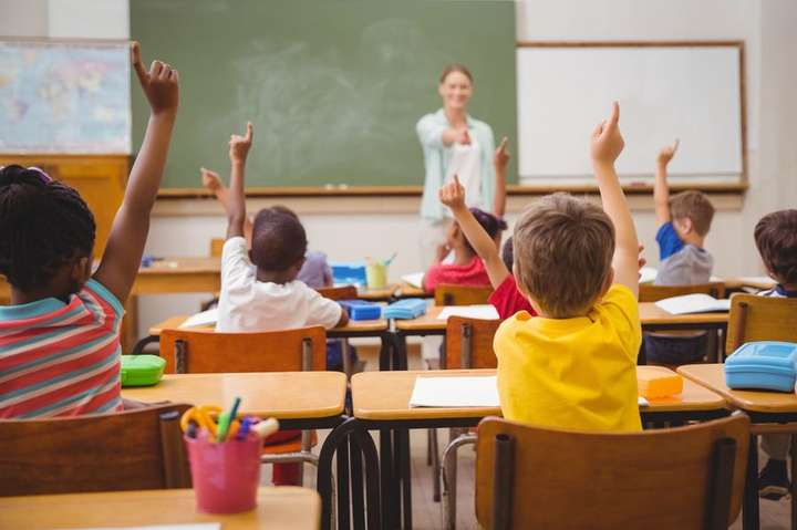 Українські вчителі навчають школярів на рівні з розвиненими країнами - Українська школа показала один із найкращих результатів у рейтингу якості освіти