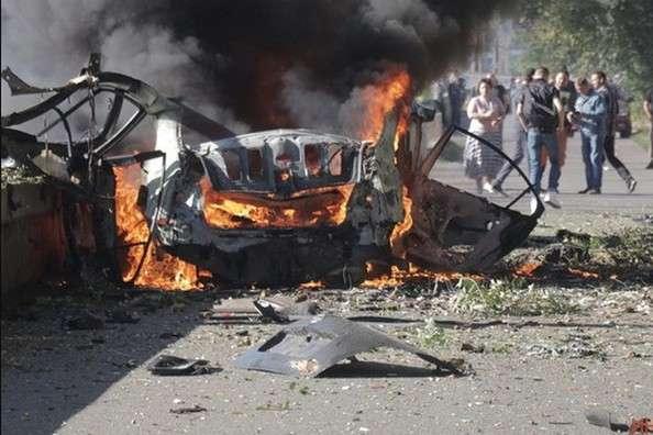 Попередньо поліція кваліфікувала вибух автівки як терористичний акт - Теракт у Дніпрі: вибух автівки розслідуватиме СБУ