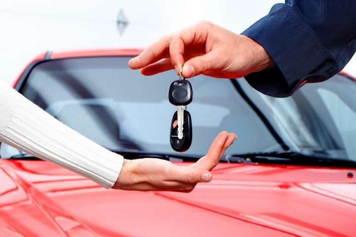 Дистанційне навчання з теоретичної підготовки водіїв має здійснюватися у групах - Майбутні водії можуть здати екзамен онлайн, а «права» доставить кур'єр