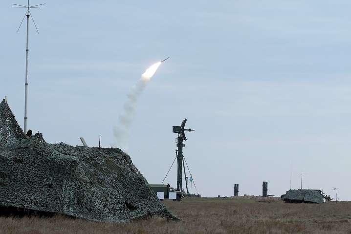 Україна повинна мати потужну зброю для захисту своїх кордонів - Україна – суверенна країна і має право на закупівлю та отримання сучасних озброєнь