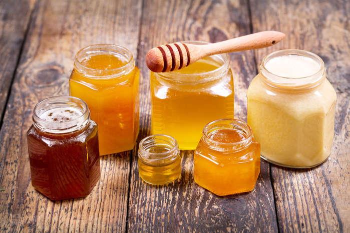 Перекупники скуповують мед задешево - На Херсонщині пасічники скаржаться, що перекупники наживаються на ціні на мед