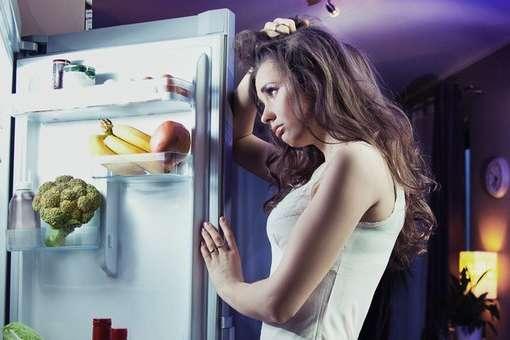 Коли ми замало спимо, організм може «сплутати» втому з голодом - Чому увечері тягне до холодильника: шість порад, як не переїдати на ніч