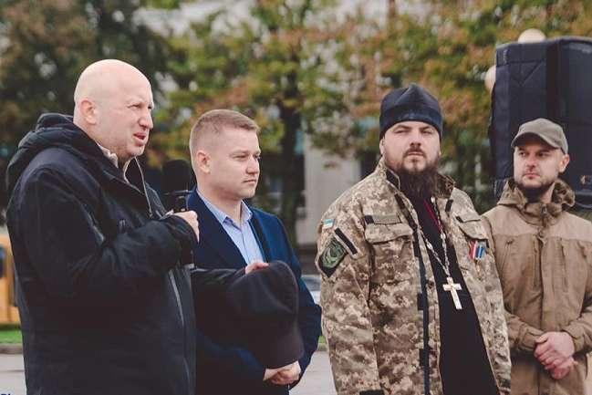 Капелани з провідних церков України були разом з нашими воїнами з перших днів війни - Чому діяльність капеланів у військах досі законодавчо не врегульована?
