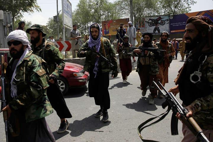 Коли таліби керували Афганістаном минулого разу, вони практикували покарання і публічні страти на стадіонах та в мечетях - «Талібан» збирається повернути страти та відрубування рук і ніг
