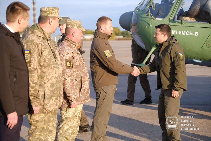 Президент відвідає передову і Маріуполь - Зеленський приїхав на схід України