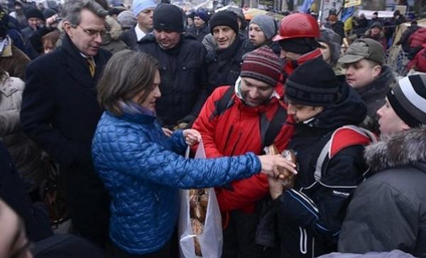 Нуланд сегодня приедет в Москву для переговоров по Донбассу, - Госдеп США - Цензор.НЕТ 9486