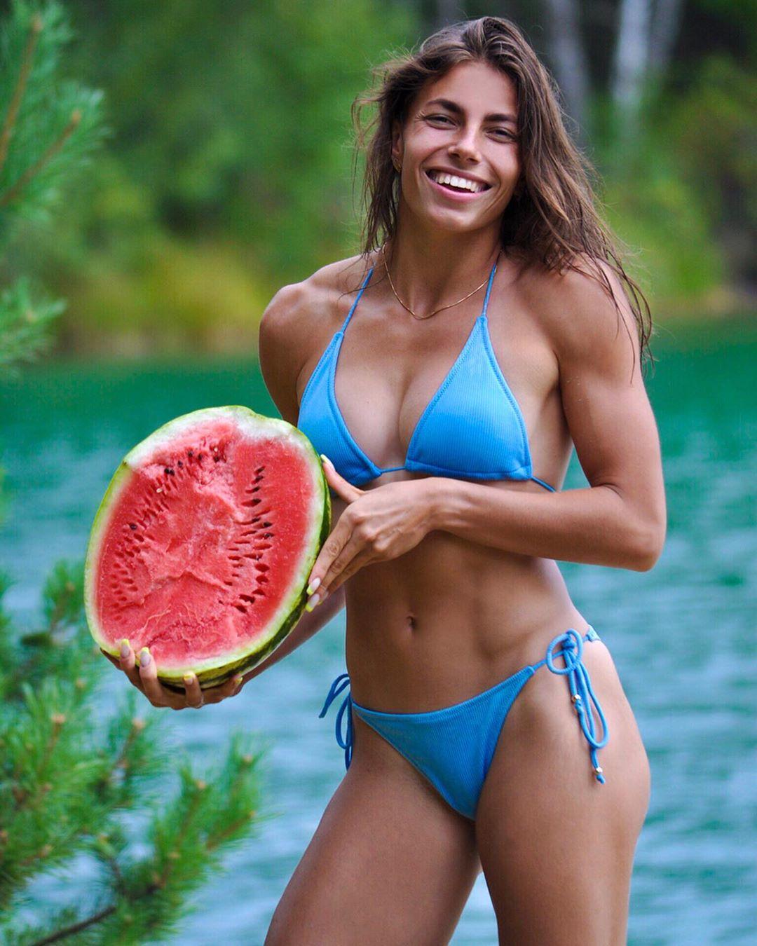 Секси украинская чемпионка по сексу зайчиха порно фотогалерея