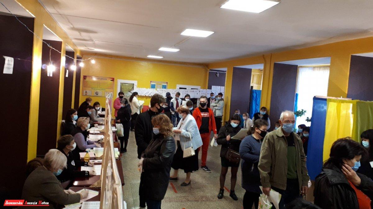 За чотири місяці до проведення місцевих виборів законодавці залишили мажоритарну систему лише в громадах чисельністю менше 10 тис виборців (Фото: Лиманська агенція новин)