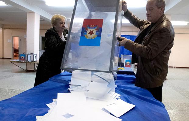 «Вибори в ЛНР». Фото ТАСС