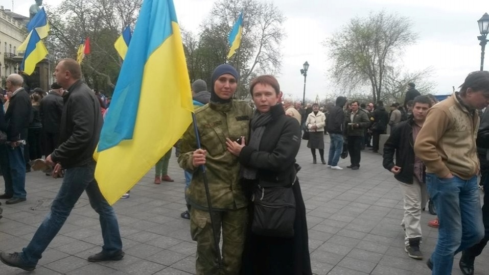 Окуєва з матір'ю, Іриною Нікіфоровою