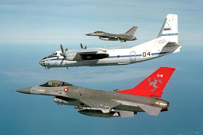 Договір дозволяв країнам-учасницям завдяки польотам військових літаків на своїх територіях демонструвати, що їм нічого приховувати