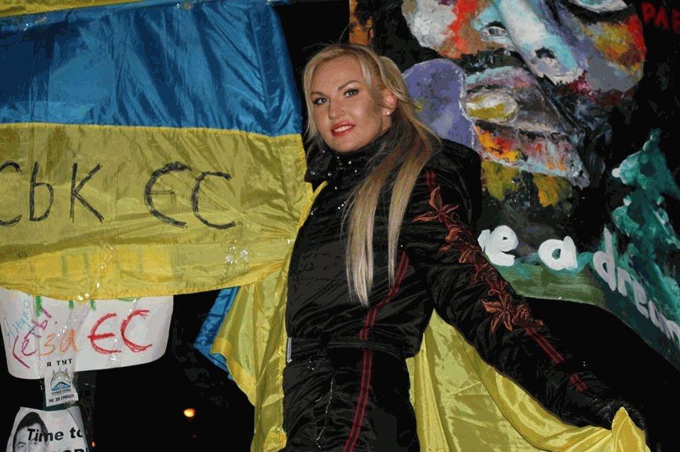 Камалія на Майдані (фото: viva.ua)