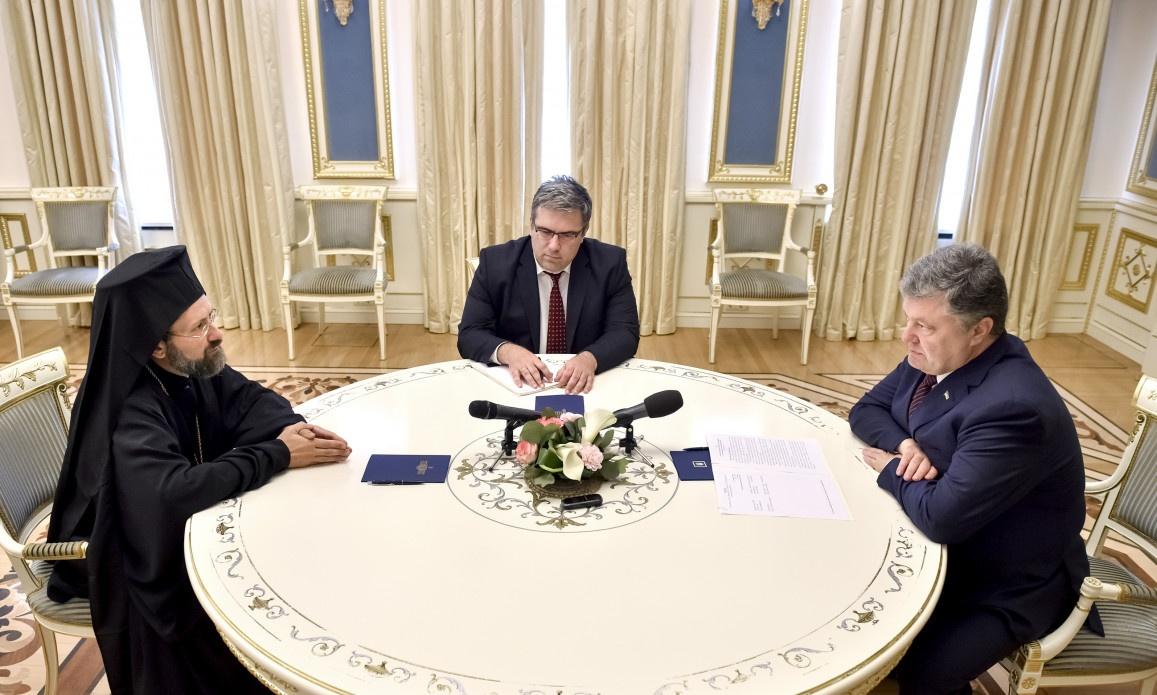 Архієпископ Тельміський Іов під час перебування в Україні зустрівся з президентом Петром Порошенком (фото прес-служби президента)