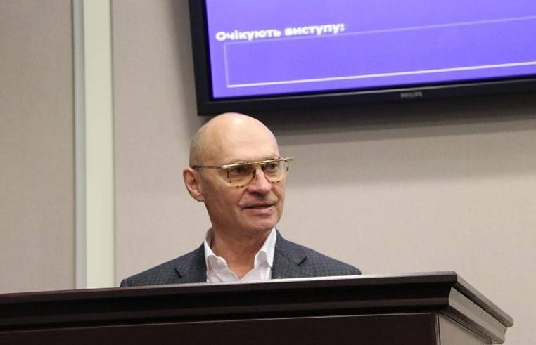 Олександр Скляров від «Слуги народу» з боями очолив Київську облраду