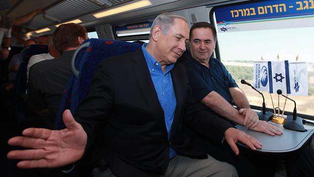 Одне з питань, яке розвалило попередню коаліцію, був ремонт на залізних дорогах у суботу. Прем'єр Беньямін Нетаньягу не зміг знайти компроміс з ортодоксами