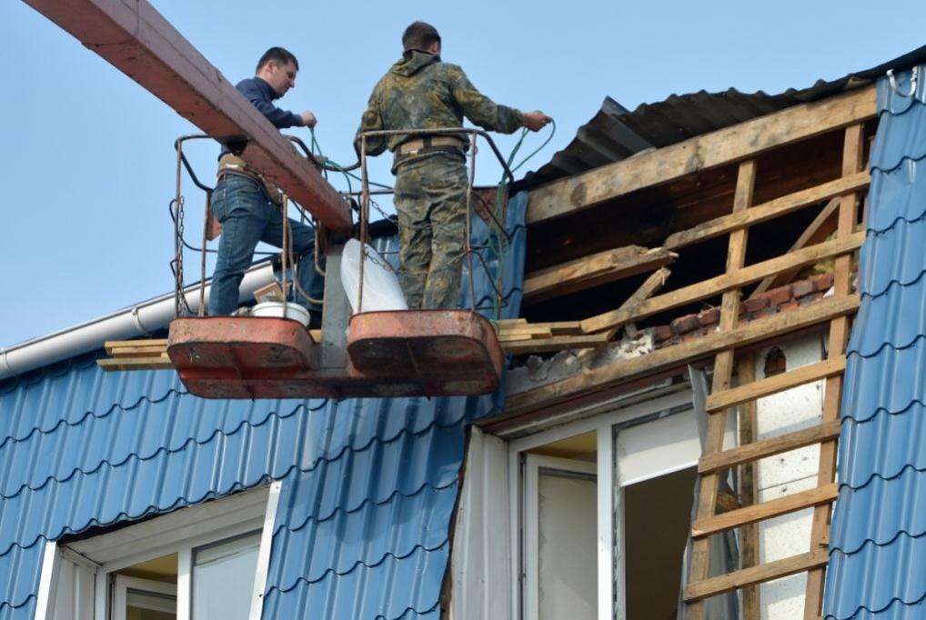 Ремонт руйнувань в будівлі консульства Польщі в Луцьку. Джерело: PAP