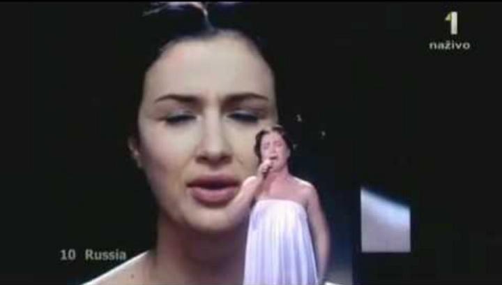 Анастасія Приходько співала в Москві на «Євробаченні-2009» російською та українською мовами, що обурило російських націоналістів