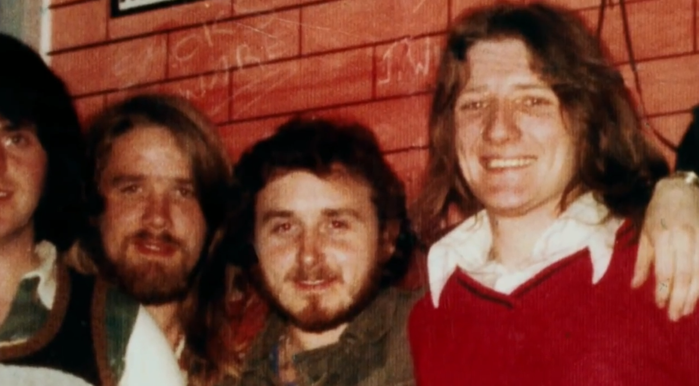 Боббі Сендс (праворуч)