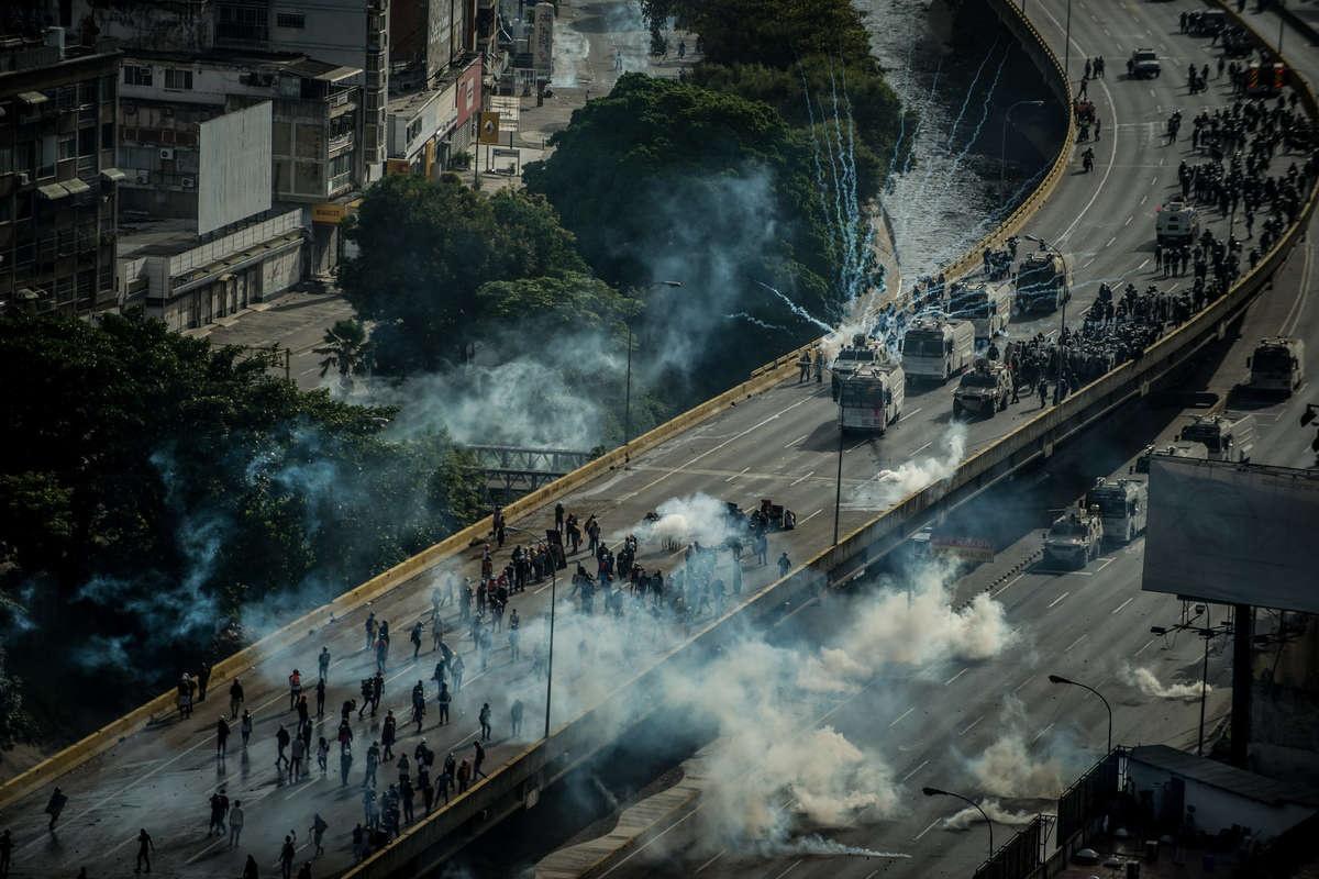 Антипрезидентські протести у Венесуелі активізувались минулого року (Фото: Meridith Kohut for The New York Times)