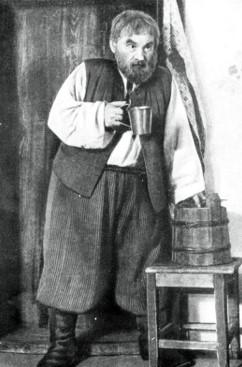 Дмитро Мілютенко у виставі «Сто тисяч»