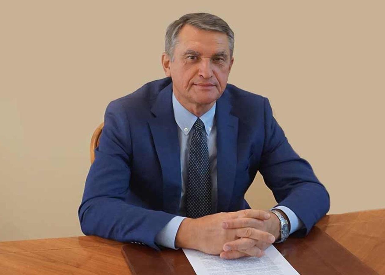 Олег Шамшур (фото: посольство України у Франції)