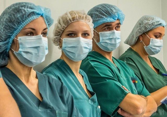 Медики – живі люди, також можуть захворіти