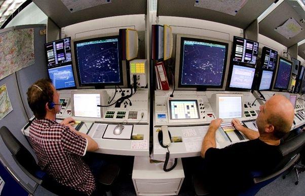В центрі повітряної безпеки (DFS) в Лангені працюють більше двох тисяч диспетчерів