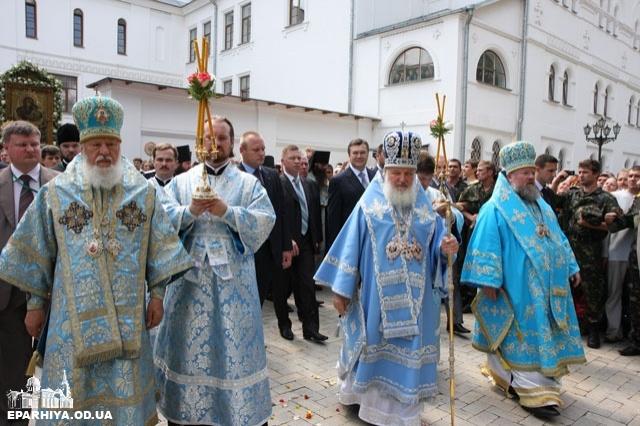 Янукович і в часи губернаторства, і прем'єрства, і президентства робив усе, аби Московська церква закріпилась в лаврі на Донеччині