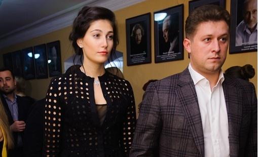 Єдиний нардеп, який офіційно пожертвував гроші своїй партії, - Олександр Присяжнюк з дружиною Ольгою Джарти
