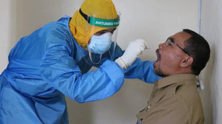 Медпрацівники в Індії двічі перехворіли на коронавірус