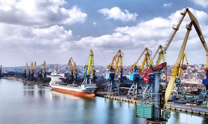 Товарообіг двох ключових азовських портів — Маріуполя та Бердянська — впав на 5 млн тонн, тобто ми вже втратили третину завантаженості цих портів
