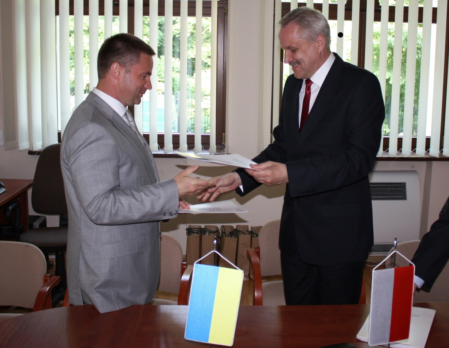 Вадим Слюсарев (зліва) виявився надто токсичною фігурою для Зе-команди