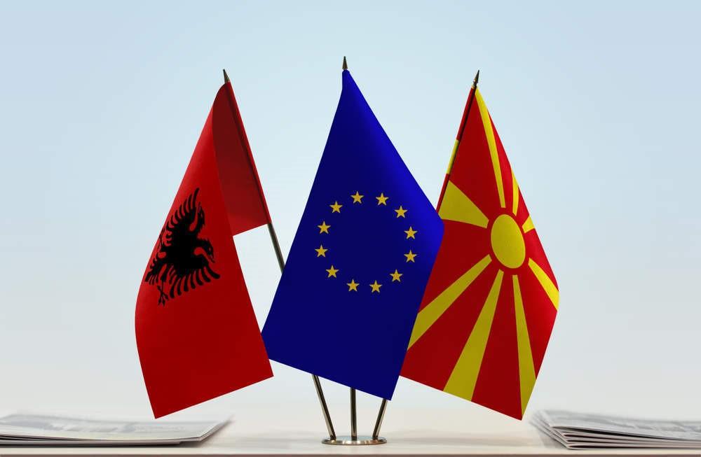 26 вересня німецький Бундестаг проголосував за підтримку початку переговорів про вступ до ЄС з Північної Македонією та Албанією