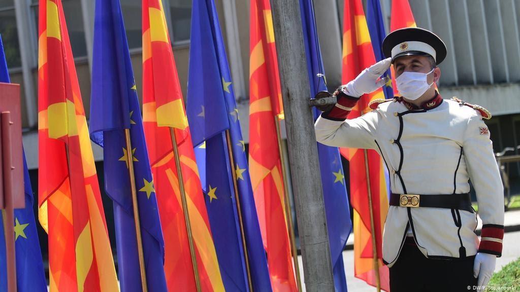 Уряд Болгарії погрожує застосувати право вето на вступ Республіки Північна Македонія до Євросоюзу. Причина – суперечка між Софією та Скоп'є з приводу тлумачення історичних подій і ролі історичних особистостей. Фото eurotopics.net