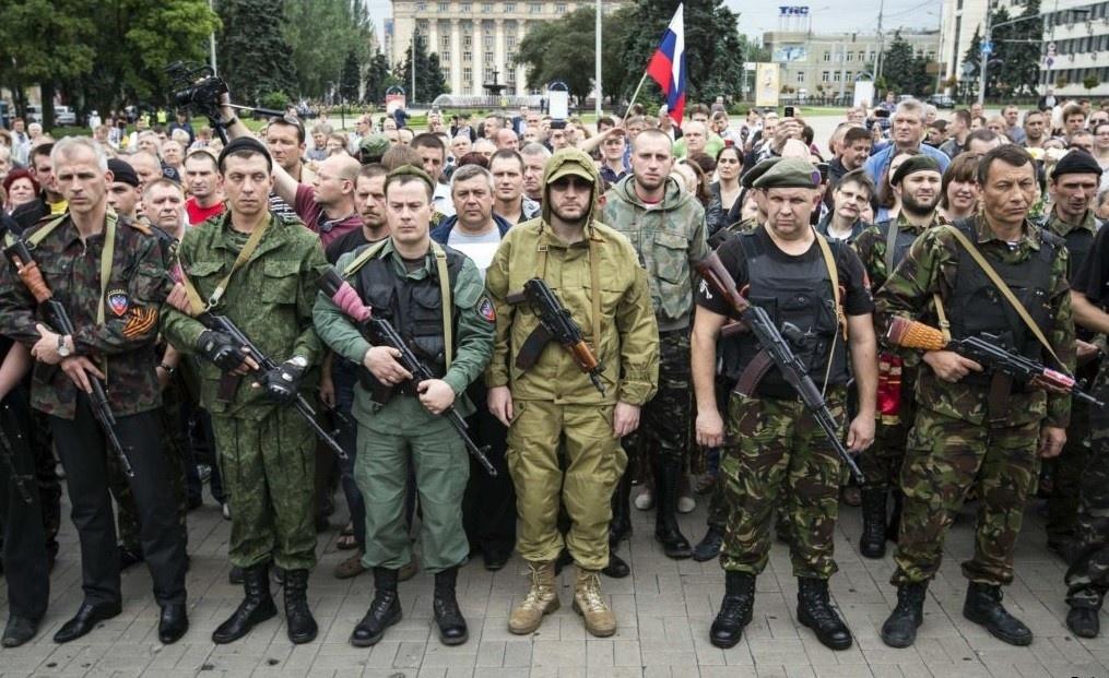 Саме цим фото окупаційна влада Донбасу ілюструє розділ «Армія ДНР» на своєму сайті
