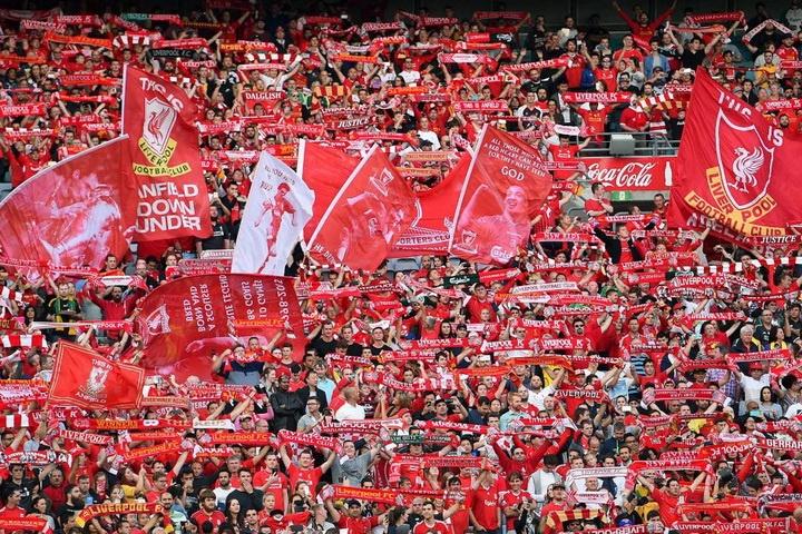 фан-клуб ФК «Ліверпуль» налічує близько 20 тисяч офіційних членів. За порушення на стадіоні уболівальник Радою клубу може бути позбавлений членства