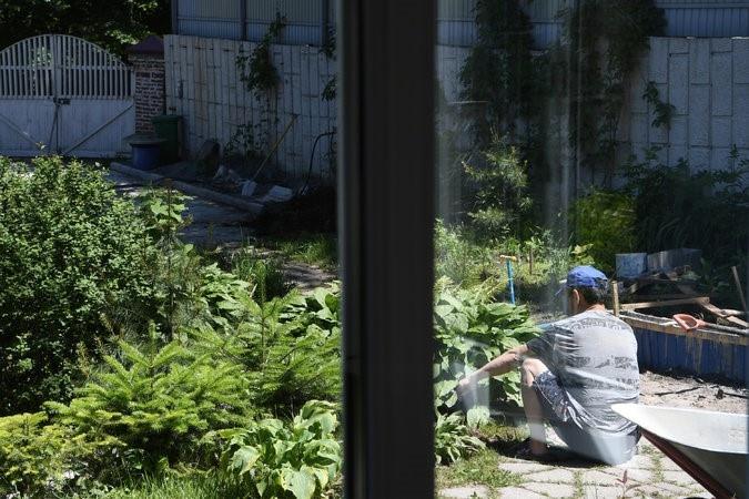 Північнокорейський будівельник у Владівостоку, один із майже 50 тисяч «рабів», які працюють у Росії. Фото: The New York Times