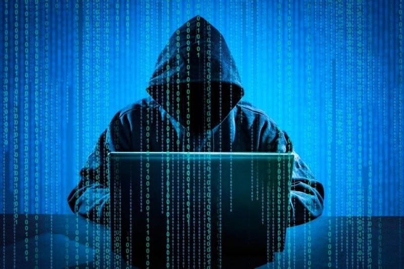 Хакерські злами часто використовують для так званих інформаційних вкидів.