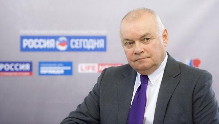 Не змовчав і друг Вишинського Дмитро Кисельов, який назвав затримання «бандитським нападом і викраденням»