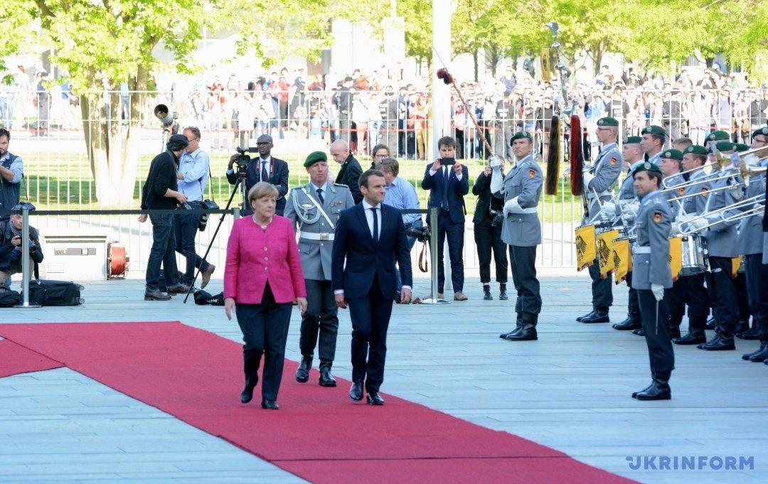 Меркель і Макрон обговорили план дій для зміцнення Європейського союзу