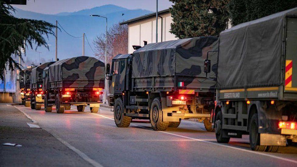 Для транспортировки мертвых в Бергамо призвали итальянскую армию