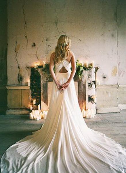 cf9bfd533d6bbc3 Свадебное платье с длинным подолом или шлейфом. Казалось бы, ну зачем это?  Ведь