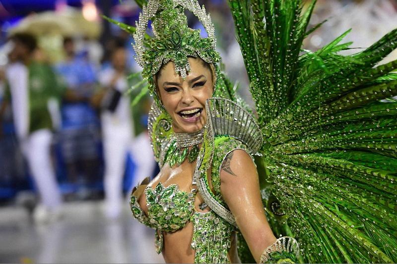 Фото девушек с карнавала в бразилии, секс вернулся с армии