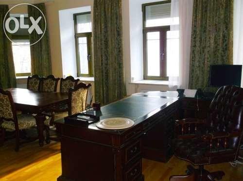 Офіс Партії регіонів продають за 400 мільйонів
