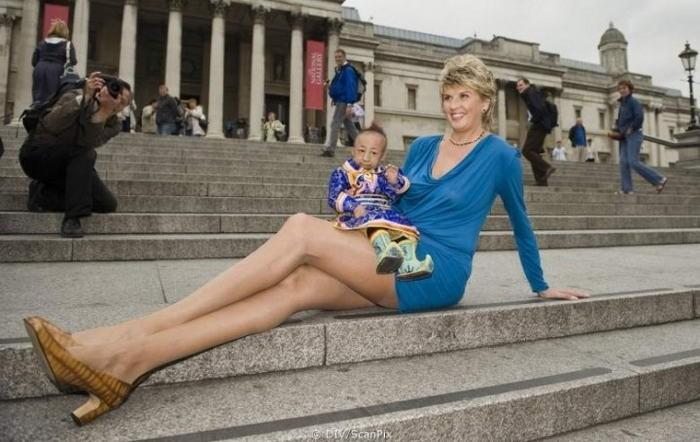 Обладательницей самых длинных ног является россиянке, живущей в США, Светлане Панкратовой. Длина ее ног составляет 132 см при росте в 1,95 метра.