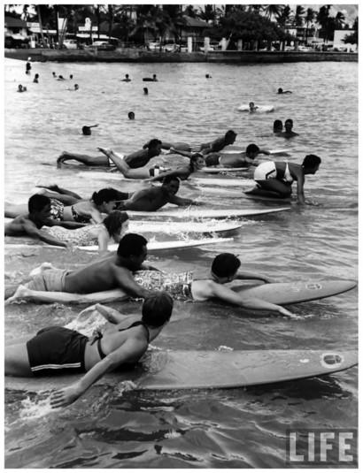 Занятие по сёрфингу, 1959